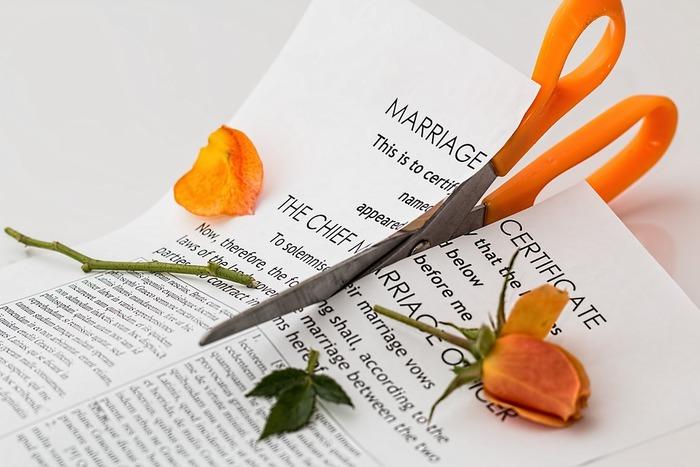 кризис в семье, проблемы в семье, разные взгляды, супружеская любовь